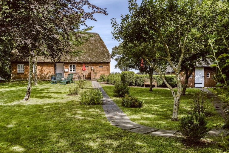 Eingezäuntes Grundstück vor unserem Ferienhaus