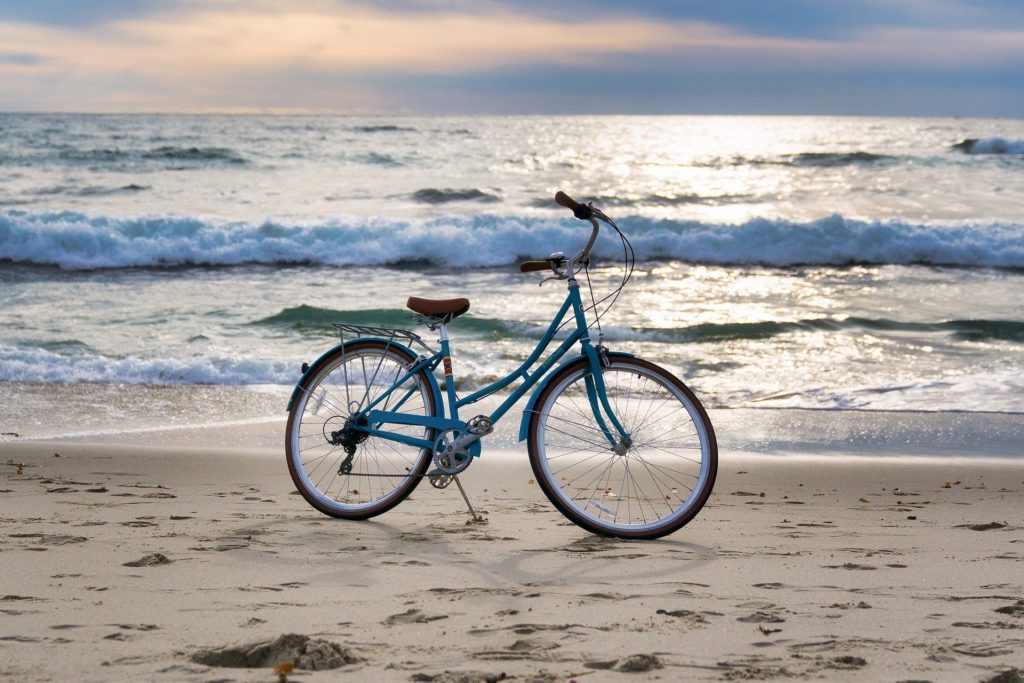 Rad fahren am Strand nahe Emmelsbüll Horsbüll