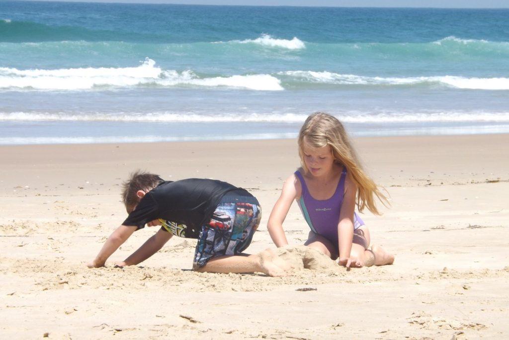 Statt Baden im Sand buddeln